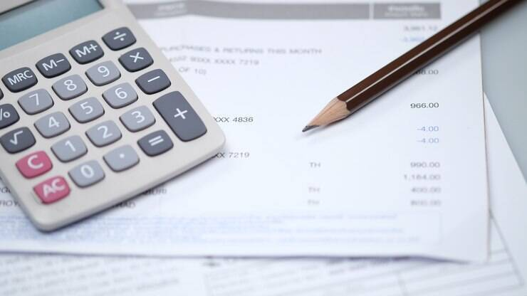 Confira quatro passos para renegociar dívidas com empresas