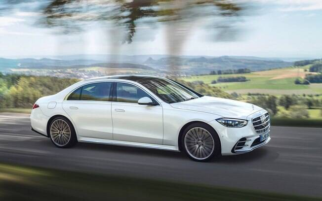 Entre as versões disponíveis do novo Mercedes Classe S estará a híbrida e a esportiva AMG, com motor V12 biturbo, com mais de 600 cv