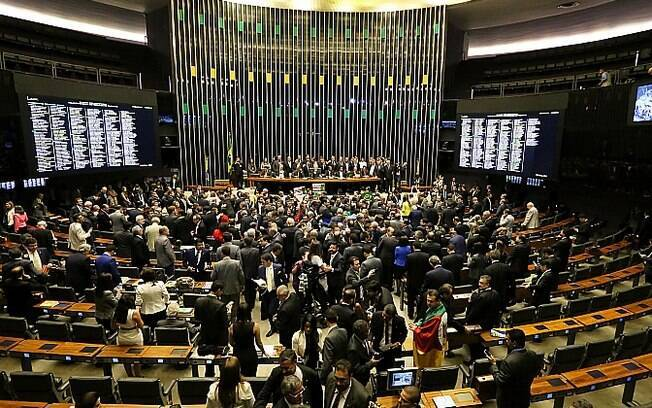 Plenário cheio para a votação deste domingo. Foto: Antonio Augusto / Câmara dos Deputados - 17.04.16