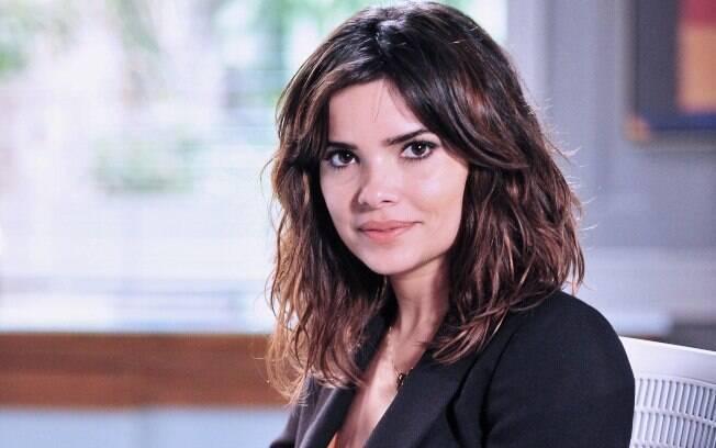 Vanessa Giácomo como Aline em