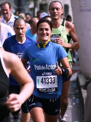 Sônia Ponzini na Maratona de Paris, em 2009: 42km abaixo de quatro horas