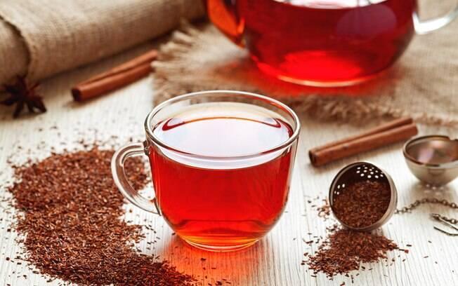 O chá de rooibos é muito difundido na África do Sul e seu maior destaque é potencializar o emagrecimento