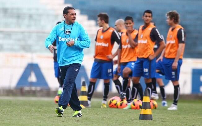 Vanderlei Luxemburgo deixou o Grêmio há um  mês