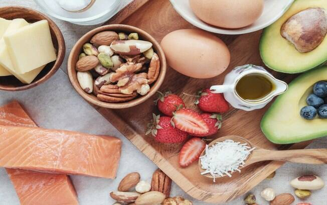 Emagrecimento rápido com saúde? Conheça a dieta low carb!