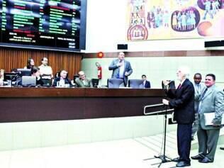 Sem consenso. Em mais uma sessão sem votar nada, vereadores protestaram contra regra de comissões