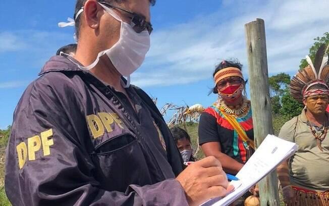 Agentes da Polícia Federal foram à aldeia Novos Guerreiros na quinta-feira (27).