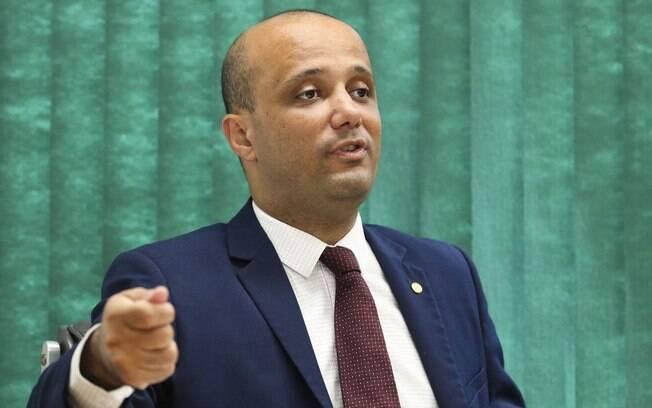 Líder do governo na Câmara, Major Vítor Hugo anunciou apoio do PSL à reforma da Previdência