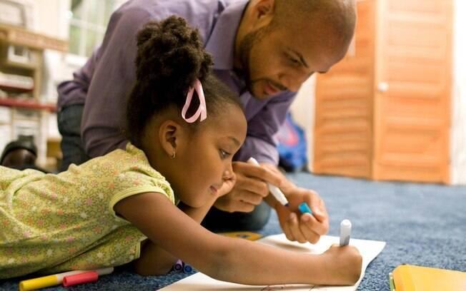 Resultado de imagem para imagens de educação pai e filho juntos