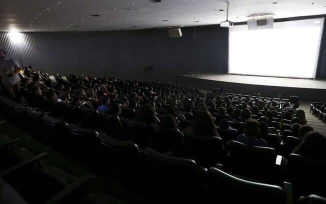 Ao contrário dos cinemas, teatros devem ficar fechados por mais tempo
