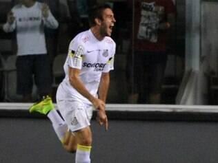 Bruno Uvini abriu o placar para o Santos no duelo