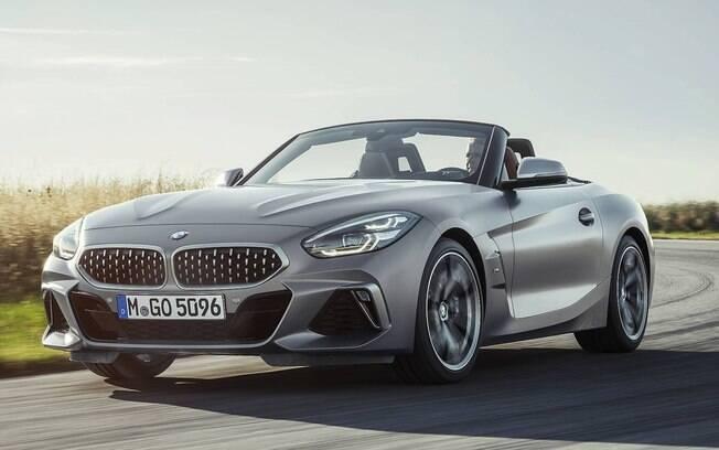 Z4 do Salão do Automóvel 2018 retorna após um hiato de dois anos. Agora, vem com tecnologias de modelos mais luxuosos