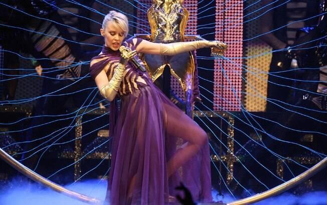 Kylie Minogue assume posto de diva gay com naturalidade
