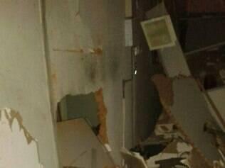 Quatro ladrões explodiram caixa eletrônico em Santa Maria de Itabira, na madrugada desta terça (13)