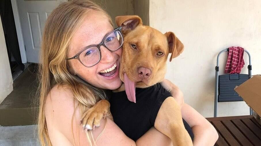Jill Castellano ficou encantada ao ver Bud na rede social de um abrigo e o adotou no final de julho de 2020