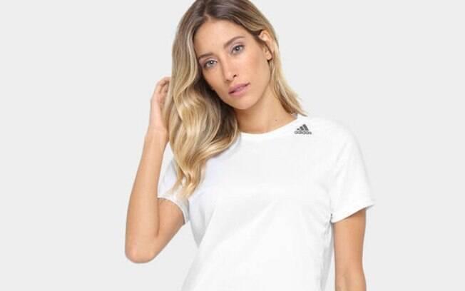 Camiseta Adidas D2M Lose feminina com 47% de desconto