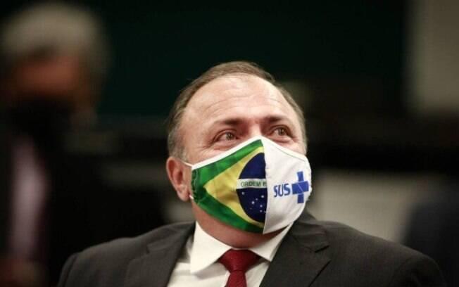 Eduardo Pazuello%2C general da ativa do Exército%2C é ministro interino da Saúde desde 15 de maio