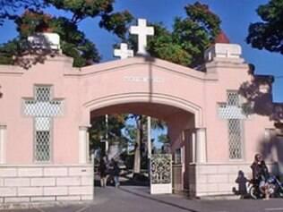 Cemitério do Bonfim vira tora turística em BH