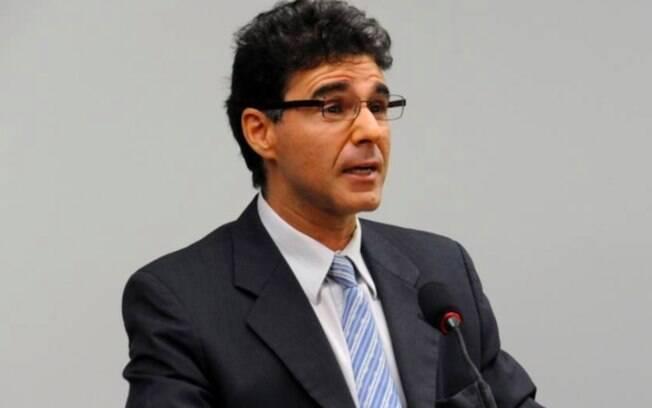 O procurador-geral Lucas Furtado aponta indícios de que governo usa da MP 995 para fazer a privatização da Caixa, com manobras, sem passar pelo Legislativo