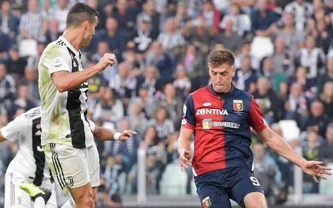 Piatek e Cristiano Ronaldo frente a frente no Campeonato Italiano