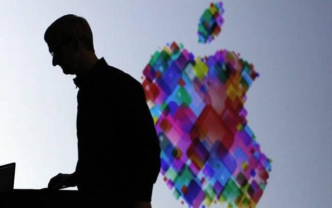 Tim Cook, em palestra no WWDC: edição 2013 pode ter novos MacBooks e nova versão do iOS