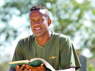 Rômulo da Silva, ex-dependente, foi preso em 2008 com crack e fuzil