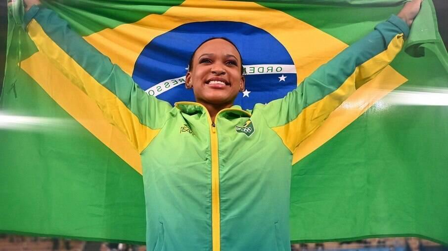 Rebeca Andrade será porta-bandeira do Brasil no encerramento da Olimpíada