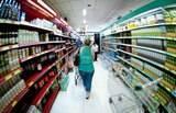 Mesmo preocupado com dívidas, consumidor está mais otimista com economia