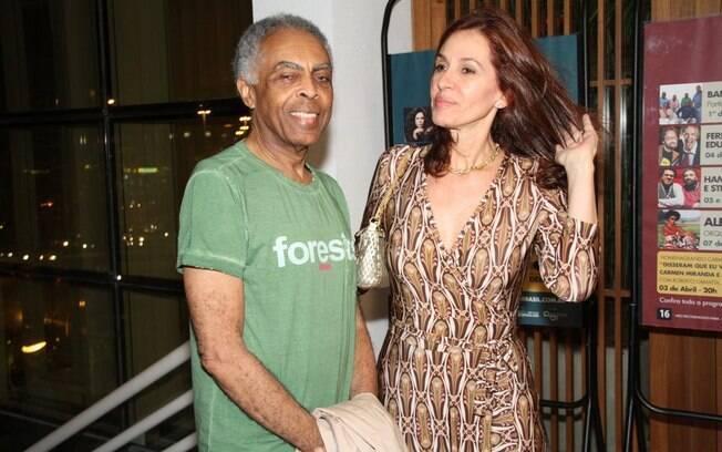 18 ANOS: Gilberto Gil (71 anos) e Flora (53 anos). Fotos: AgNews