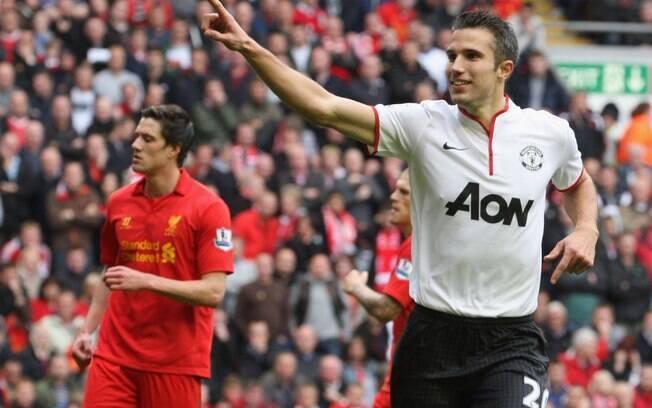 Com a bola rolando, o Manchester United levou  a melhor e ganhou o clássico por 2 a 1
