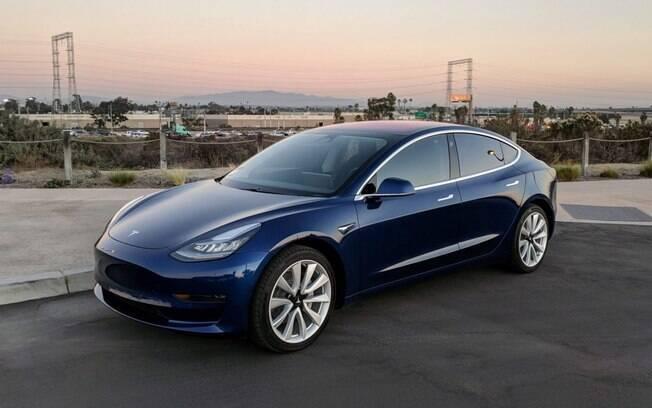 Tesla do Salão de Paris é o elétrico mais em conta da marca, mas conta com todas as tecnologias de última geração