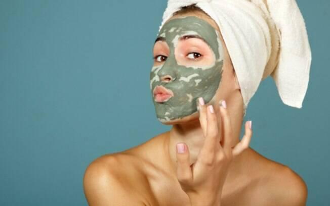 O número de brasileiras que estão buscando máscaras faciais como opção para manter a pele hidratada cresce a cada dia