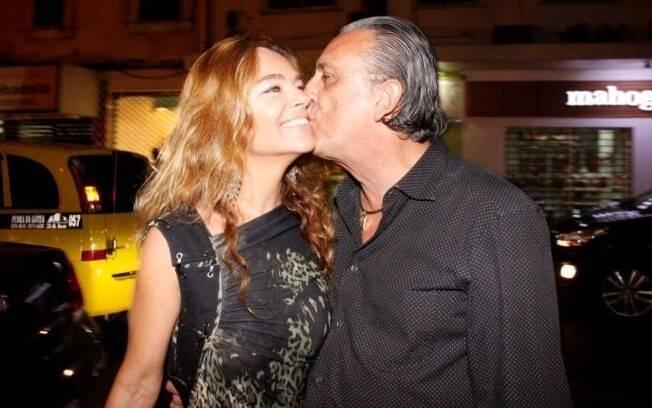 Galvão Bueno e Desirée Soares: carinho em público