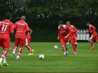 Kaká treinou em coletivo pela primeira vez