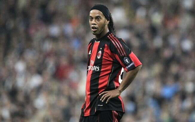 Ronaldinho Gaúcho teve passagem apagada pelo  Milan
