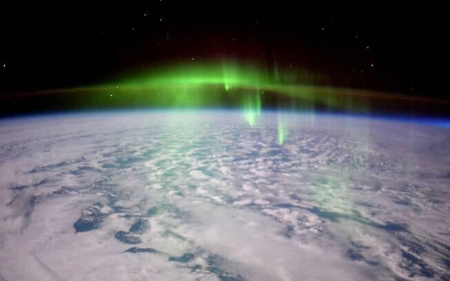 Astronauta Tim Peake registrou imagem nesta terça-feira (23) da aurora boreal na Terra