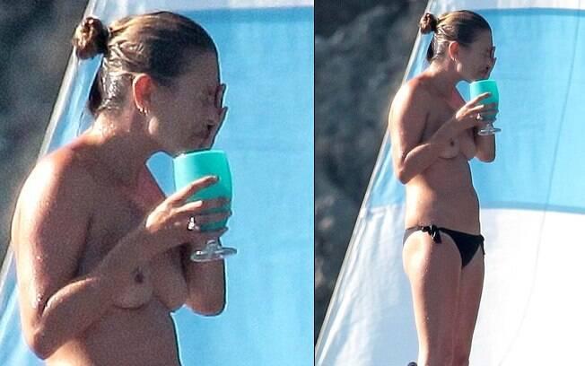 Kate Moss disse em entrevista que teve dificuldade em tirar a roupa em público apenas uma vez: a primeira