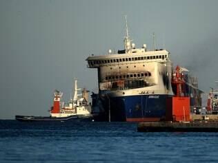 O procurador de Bari, Giuseppe Volpe, encarregado da investigação na Itália, ordenou o retorno do navio para prosseguir com a busca de cadáveres