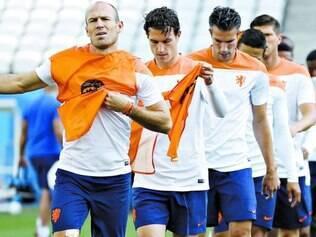 Capitaneados por Robben (à frente), holandeses esperam que, em 2014, a conquista da Copa do Mundo não bata na trave, como ocorreu em 2010
