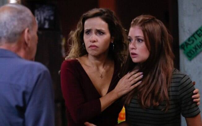 Agiota revela que Dino fugiu, o que deixa Gilda e Eliza surpresas,  em Totalmente Demais