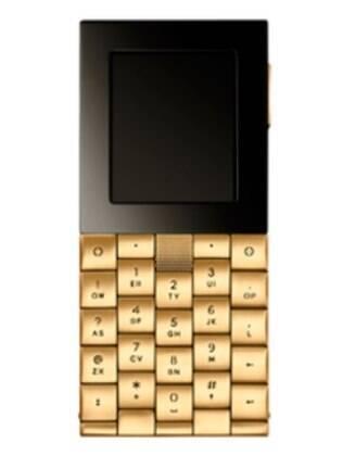 Celular de ouro está à venda em Moscou