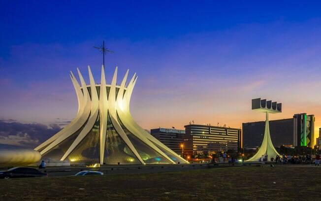 Brasília é outro destino que possui um preço de passagem aérea razoável, mas que possui hospedagens com diárias altas