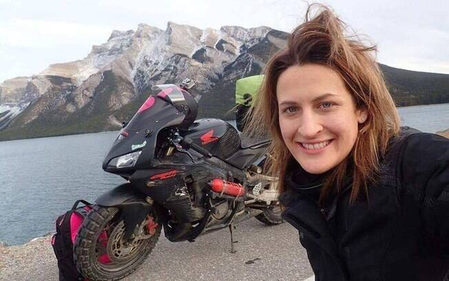 A americana Nikki Misurelli já percorreu mais de 28 mil quilômetros em viagem de moto pelo mundo