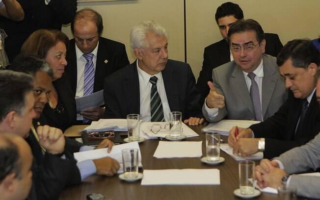 Líderes partidários reunido com ministros para chegar a acordo sobre a votação da MP dos Portos