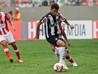 Lateral-direito Marcos Rocha considera importante terminar em primeiro lugar para ficar com a vantagem na fase final