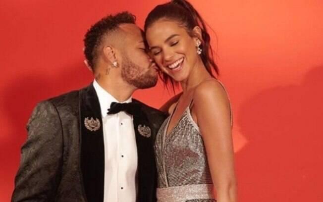 Depois de ter parado de seguir Bruna no Instagram sem querer, Neymar tranquilizou os fãs sobre boatos de término