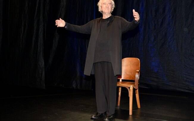 Juca de Oliveira no palco
