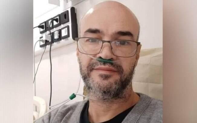 Infectologista Eduardo Macatti, de 45 anos, morreu após complicações da Covid-19.