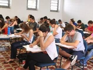 CIDADES : BELO HORIZONTE - PUC MINAS CAMPOS CORACAO EUCARISTICO . VETIBULAR 1/ 2015 NO CAMPOS CORACAO EUCARISTICO. FOTO : JOAO GODINHO / O TEMPO 19.10.2014