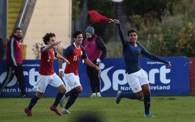 Invictasauro goleou o Marina Calcio por 27 a 0 e demitiu o treinador