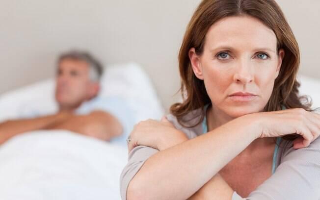 Uma em cada cinco mulheres acredita que o problema da disfunção erétil do parceiro é culpa dela